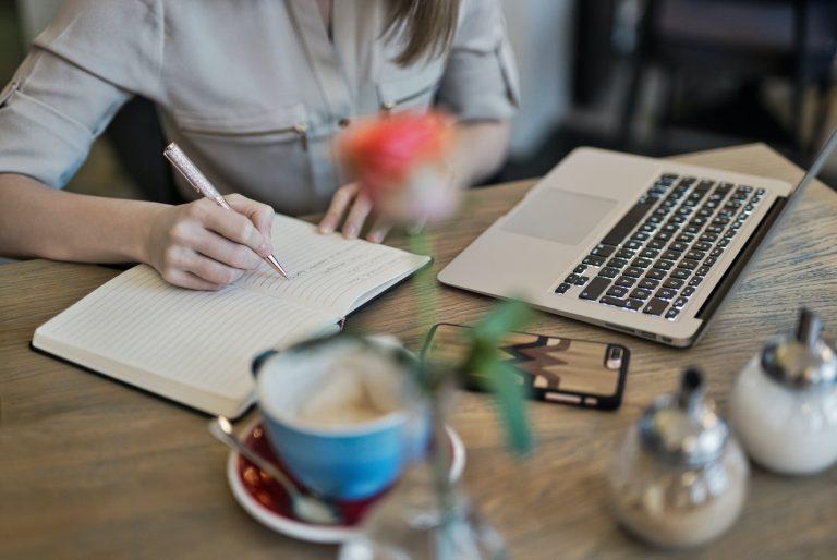 5 Tips For Beginner Freelance Writers To Make More Money